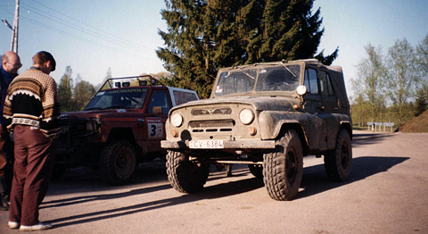 4x4-off-road-jeep-uaz